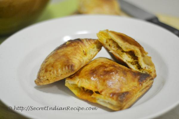 Picture of : chicken curry puff