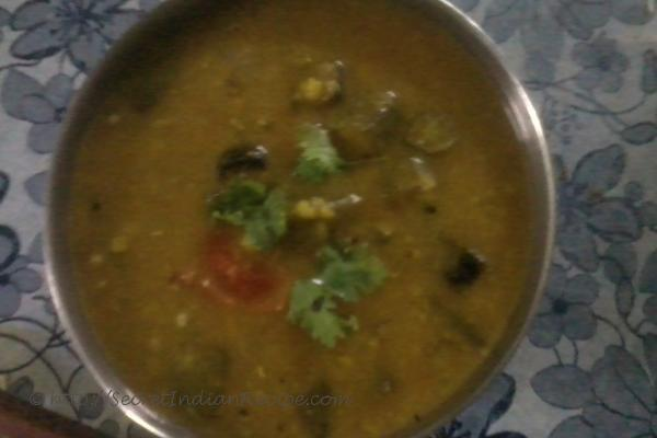 photo of lady's finger/okra sambar