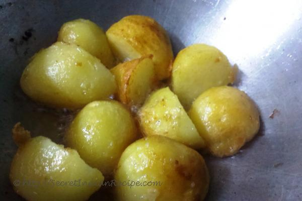 photo of marwari aloo dum (dry potato curry without onion and garlic)
