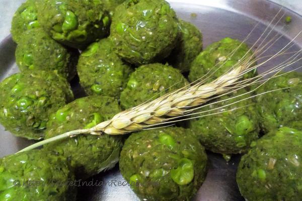 photo of ummi (green pea dumplings for snack)