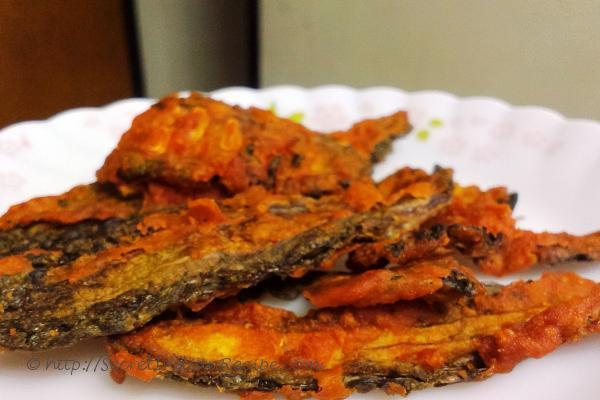 photo of karela ka chips (bitter gourd wafers)