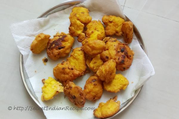 photo of moong dal pakoda (lentil pakora, indian appetizers)
