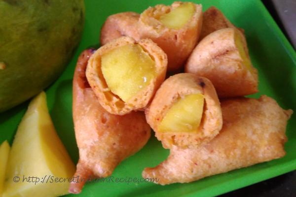 Mango bajjis ready to serve