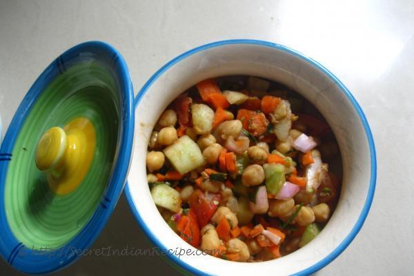 photo of chole salad