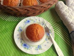 photo of egg-less butter-less carrot muffins