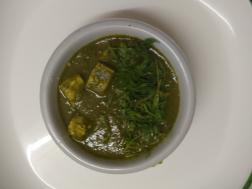 photo of palak paneer (cottage cheese in spinach gravy)