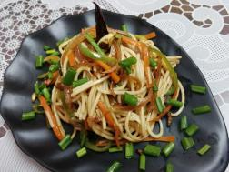 photo of burnt garlic chowmein